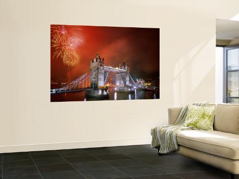 Tower Bridge and Fireworks, London, England Vægplakat