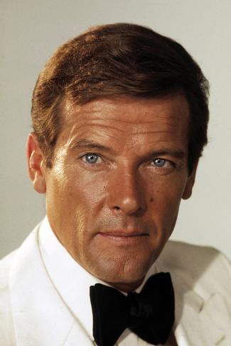 THE MAN WITH THE GOLDEN GUN, Roger Moore, 1974. Foto