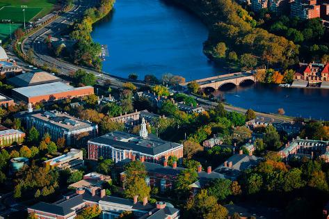 AERIAL VIEW of Cambridge and Anderson Memorial Bridge leading to Weld Boathouse, Harvard on Char... Fotografie-Druck