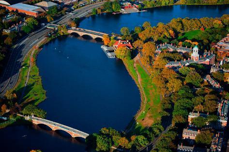 AERIAL VIEW of Charles River with views of John W. Weeks Bridge and Anderson Memorial Bridge, Ha... Fotografie-Druck