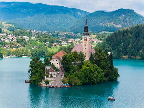Bled, Upper Carniola, Slovenia. Church of the Assumption on Bled Island. Fotografie-Druck