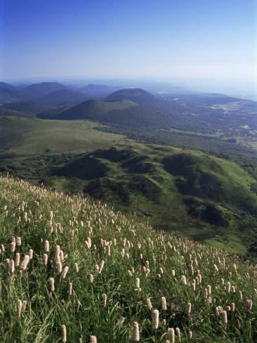 View from Le Puy-De-Dome of Chaine Des Puys, Puy-De-Dome, Auvergne, France Fotografie-Druck