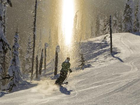 Skiing Through a Sundog on Corduroy Groomed Runs at Whitefish Mountain Resort, Montana, Usa Fotografie-Druck