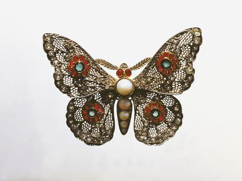 Close-Up of a Gold Butterfly Brooch Decorated with Pearls and Stones Giclée-Druck
