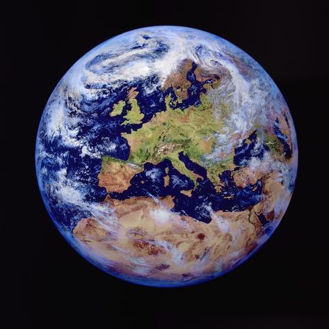 de aarde vanuit de ruimte fotoprint bij allposters.nl