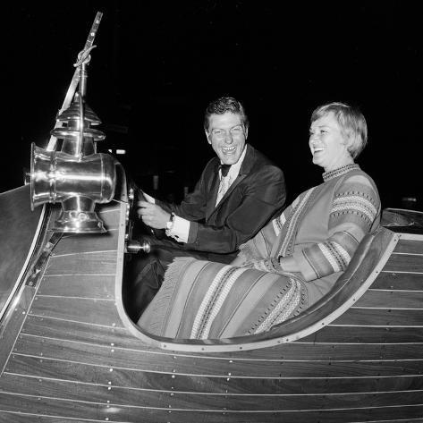 Dick Van Dyke with His Wife Margie at a Film Premier in London Fotografie-Druck