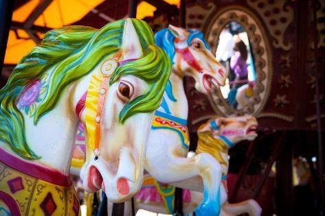 Horses on a Carousel Fotografie-Druck