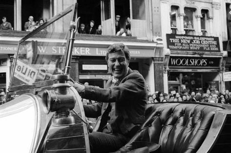 Dick Van Dyke Drives Chitty Chitty Bang Bang Fotografie-Druck