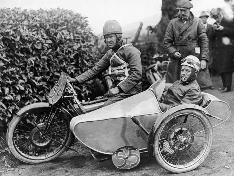 Freddie Dixon and Passenger Walter Denny, Isle of Man Sidecar Tt Race, 1923 Fotografie-Druck