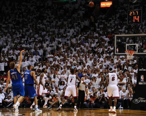 Dallas Mavericks v Miami Heat - Game Two, Miami, FL - JUNE 2: Dirk Nowitzki Foto