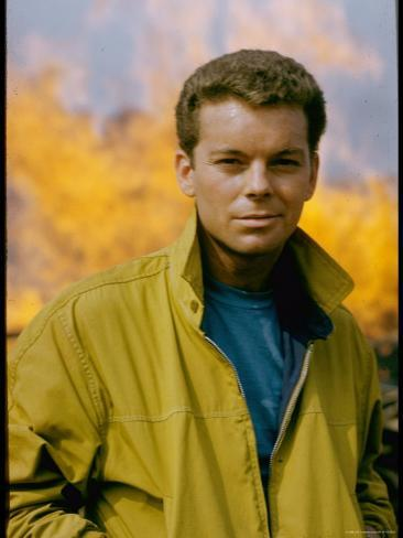 Russ Tamblyn as Riff, Gang Leader of the Jets in Scene from West Side Story Premium-Fotodruck