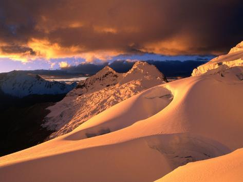 Sunset on the Glacier Above Ishinca Valley, Cordillera Blanca, Ancash, Peru Fotografie-Druck