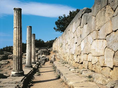 Greece, Delphi, Archaeological Site, Polygonal Wall Beneath Temple of Apollo Giclée-Druck