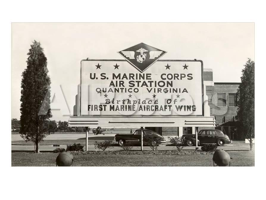 Informationstafel des U.S Marine Corps Quantico, Virginia ...
