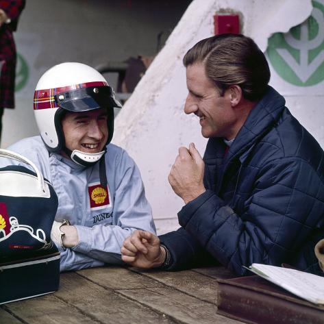 Jackie Stewart and Graham Hill Chatting, Monaco Grand Prix, Monte Carlo, 1966 Fotografie-Druck