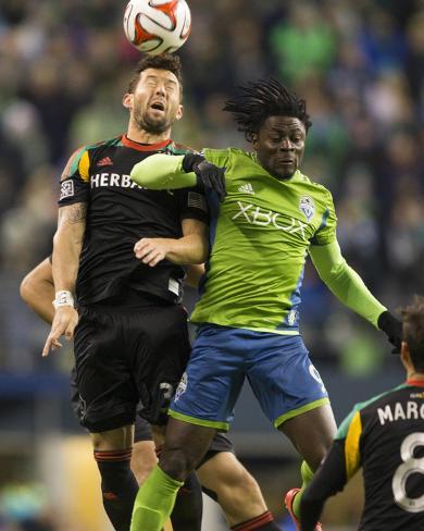 2014 MLS Western Conference Championship: Nov 30, Galaxy vs Sounders - Obafemi Martins, Dan Gargan Foto