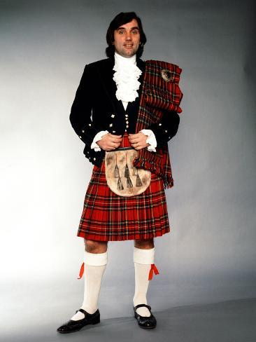 George Best in Kilt Signing for Hibernian, 1979 Fotografie-Druck
