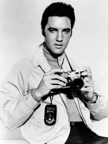 Live a Little, Love a Little, Elvis Presley Poses with His Leica Camera, 1968 Foto