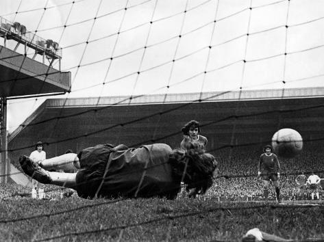 Liverpool vs Tottenham Division One Football Fotografie-Druck