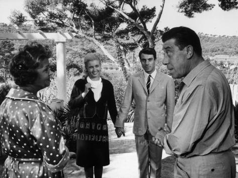 Paulette Dubost, Fernandel, Marie Dubois and Franck Fernandel: L'Âge Ingrat, 1964 Fotografie-Druck
