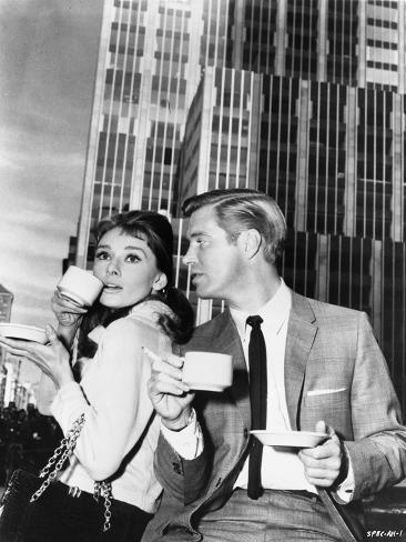 Audrey Hepburn and George Peppard Breakfast at Tiffany's Movie Scene - P... Foto