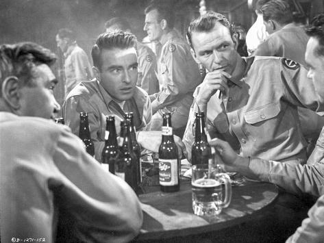 From Here To Eternity Men in Bar Drinking Foto