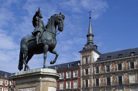 Spain, Madrid, Plaza Mayor, Equestrian Statue of Philip Iii, 1616 Giclée-Druck