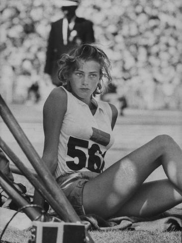 Runner Gunhild Larking Relaxing at the Olympics Premium-Fotodruck