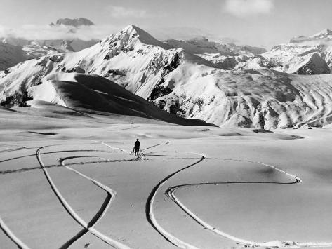 Skier in the South Tyrolean Dolomiten Near Cortina, 1930's. Fotografie-Druck