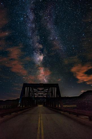 Silhouette of Morrin Bridge at night, Highway 27, Morrin, Alberta, Canada Fotografie-Druck