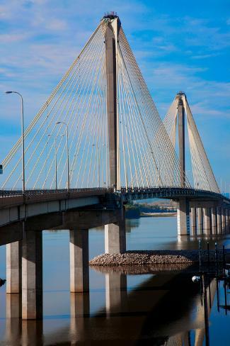 The Clark Bridge, also known as Cook Bridge, at Alton, Illinois, a Cable bridge carries U.S. Rou... Fotografie-Druck