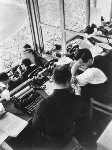 The Press Box at the Berlin Olympics, 1936 Fotografie-Druck