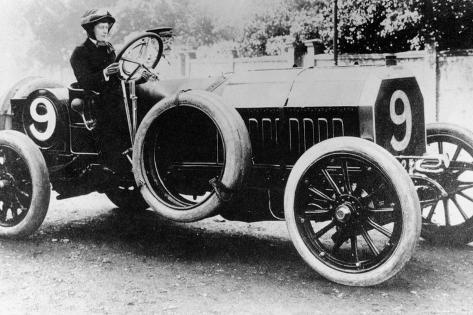 Woman Behind the Wheel of an Itala Car, 1907 Fotografie-Druck