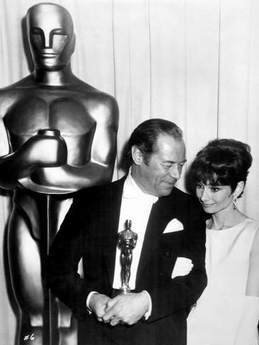 37th annual academy award 1964 audrey hepburn with rex - Laminas audrey hepburn ...