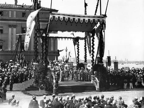 A 'Molebin' During the Inauguration of the Troitsky Bridge across the River Neva Lámina fotográfica
