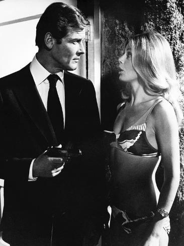 Agente 007 - L'uomo dalla pistola d'oro Foto