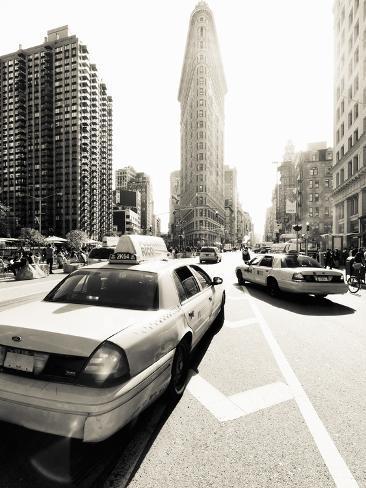 USA, New York City, Manhattan, Fifth Avenue and Broadway, Flatiron Building Photographic Print
