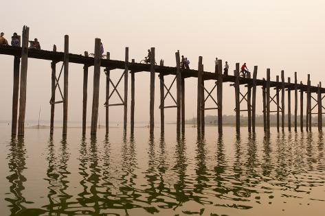 The 1.2 Km Wooden Footbridge Is the Longest Teak Bridge in the World Photographic Print