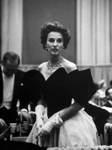 Babe Paley Clad in Elegant Evening Gown While Attending Pres. Dwight Eisenhower's Inaugural Ball Premium-valokuvavedos