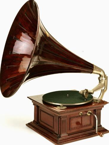 An His Master's Voice Monarch Gramophone, with Oak Case and Fluted Oak Horn, circa 1911 Lámina giclée