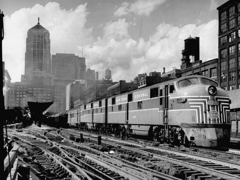 New York Central Passenger Train with a Streamlined Locomotive Leaving Chicago Station Photographic Print