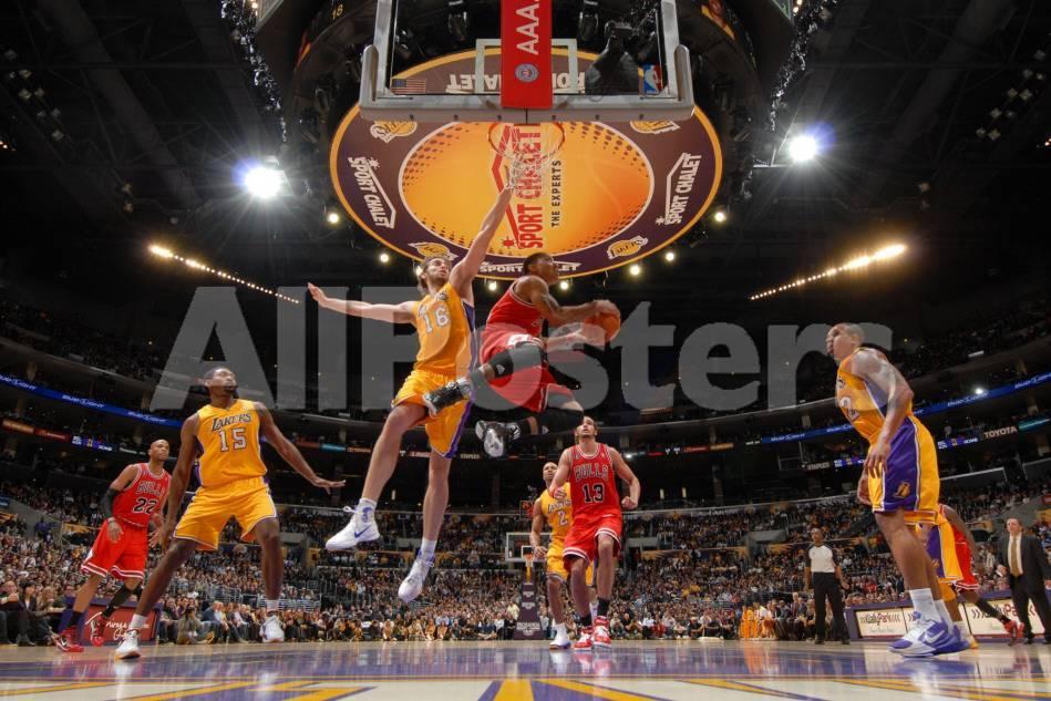 Chicago Bulls v Los Angeles Lakers: Derrick Rose and Pau Gasol