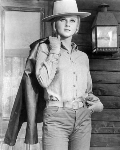 Ann-Margret - The Train Robbers Photo