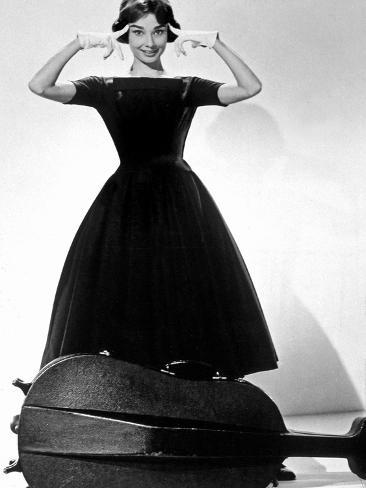Ariane Love in the Afternoon De Billywilder Avec Audrey Hepburn 1957 Givenchy Photo