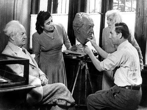 Arno Breker, German Sculptor, Working on a Bust of Gerhart Hauptmann, October 1942 Stampa giclée