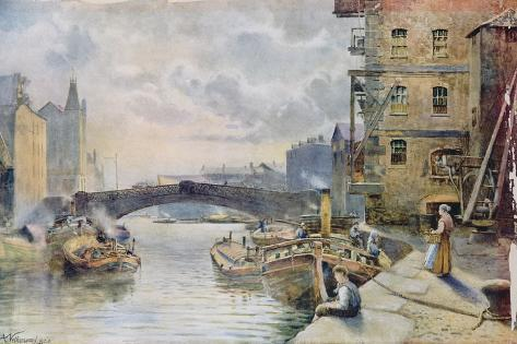 Leeds Bridge from Aire and Calder Navigation Wharf, 1911 Giclee Print