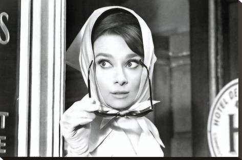 Audrey Hepburn Movie (Scarf) Poster Print Impressão em tela esticada