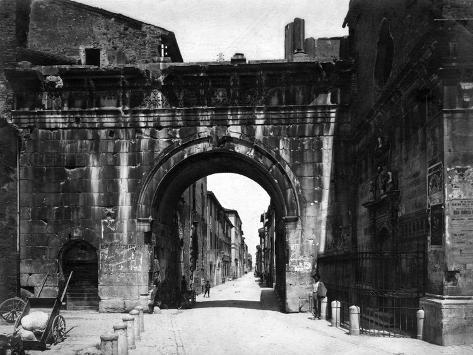 Augustus' Arch, Fano Valokuvavedos