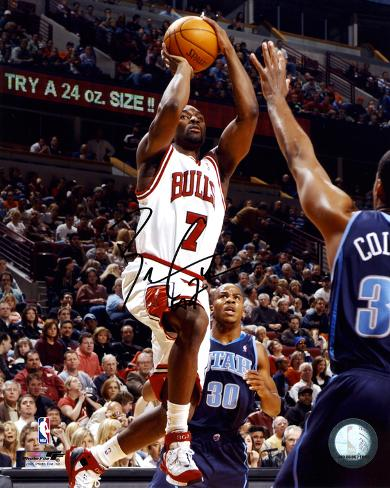 Ben Gordon Chicago Bulls -vs Utah- Autographed Photo (Hand Signed Collectable) Photo