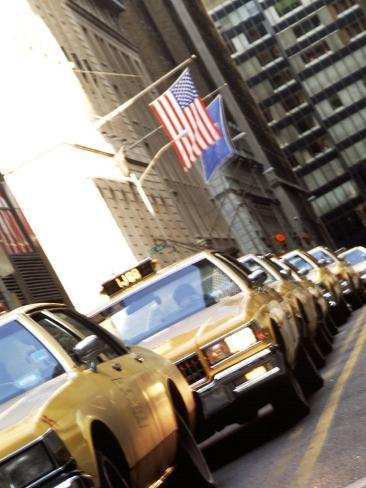 Line of Taxi Cabs in New York City, New York, USA Lámina fotográfica